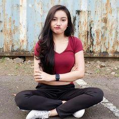 """icaa ginaa di Instagram """"Komen dong kurangnya dimana? . . . #komunitas_hijab_indonesia #hits #hijabercantik #hijabootdindo #hijabkece #bidadariselfie #cantik…"""""""