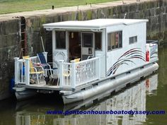Small Houseboats | Picture of our Pontoon Houseboat on the Muskingum River, inside the ...:
