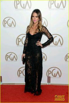 Regia como siempre;Jessica Alba con un vestido del diseñador Elie Saab ...
