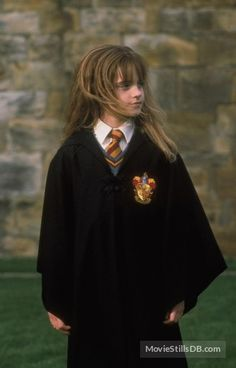 Beautiful and feisty Hermione Granger (Emma Watson) Harry Potter Kostüm, Estilo Harry Potter, Fans D'harry Potter, Harry Potter Cosplay, Harry Potter Characters, Hermione Granger Costume, Harry Potter Hermione Granger, Emma Watson, Harry Potter Pictures