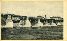 Le plus vieux pont de #Lyon sur le #Rhône, celui de la Guillotière, est bombardé par les allemands les 1er et 2 septembre #1944. L'une de ses 8 arches est détruite lors de l'opération de dynamitage visant à ralentir la progression des alliés. Pour rétablir la circulation au plus vite, l'arche endommagée est provisoirement réparée. Dès le #5septembre un pont métallique jeté sur la brèche permet aux convois de passer de nouveau de la rive gauche en Presqu'île #numelyo #WW2 #2GM #guerre #occupation Lyon, Occupation, Circulation, Gauche, Painting, Alps, Old Bridges, September 2, Photography