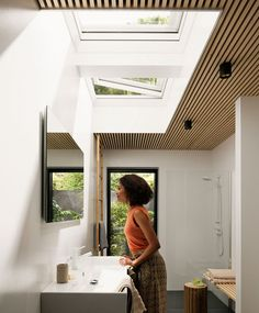 View our bathroom gallery of images leaving you feeling inspired to get your very own VELUX skylights, roof windows, and sun tunnels. Skylight Bathroom, Bathroom Windows, Bathroom Fixtures, Bathroom Renovations, Home Renovation, Indoor Outdoor Bathroom, Roof Window, Roof Light, Curved Glass