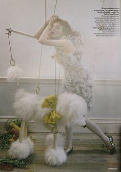 Ananas à Miami: Karen Elson by Tim Walker for British Vogue, April 2008