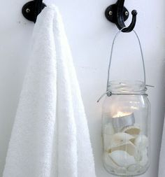 Love that jar! Great idea for my nautical bath!