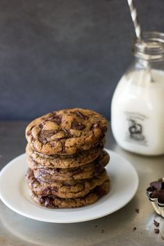 Brown Butter Chocolate Chunk Cookies from Baking Recipes, Cookie Recipes, Snack Recipes, Dessert Recipes, Snacks, Just Desserts, Delicious Desserts, Yummy Food, Yummy Treats
