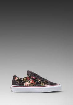 VANS Old Skool in Black - Floral Vans 77c5e73c017