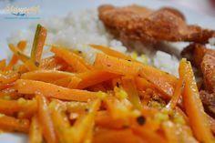 Vitamindús köret: mézes-fűszeres párolt sárgarépa Hozzávalók 2 személyre 3 nagyobb sárgarépa 3-4 fokhagymagerezd olívaolaj 1 ek méz 1 csapott ek oregánó és bazsalikom keveréke (Toscana keverék) 1 kk currypor 1 kk őrölt kurkuma bors só Vegetable Recipes, Meat Recipes, Healthy Recipes, International Recipes, Carrots, Side Dishes, Bacon, Paleo, Food And Drink
