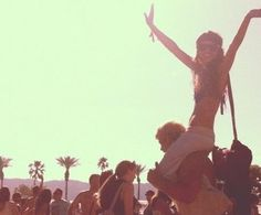 Get ready for one of the years best outdoor music festivals. Why wait for music festivals in July, August or even winter when you can get your Spring rock on. Young Wild Free, Wild And Free, Look Festival, Festival Fashion, Festival Wear, Festival Chic, Coachella Festival, Rave Festival, Raves