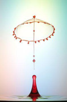 Gotas de agua crean figuras impactantes por Heinz Maier ⋮ Pixelismo