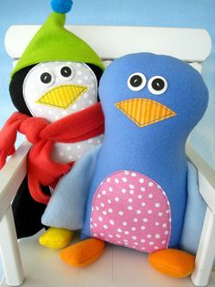 Hey, diesen tollen Etsy-Artikel fand ich bei https://www.etsy.com/de/listing/85192738/doll-sewing-pattern-for-pete-penguin-and
