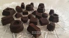 Video ricetta: Cioccolatini ripieni di cioccolato bianco allo zafferano e ripieni di liquore cioccolato e nocciola