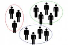 Szükséged van egy olyan alkalmazásra, ahol gombnyomásra csoportokba oszthatod a diákjaidat?  Kattints lent a