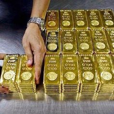 Buying GOLD is not just a good idea its a great idea . Investing in gold is no. Gold Money, My Money, Gold Bullion Bars, Money Stacks, Money Cant Buy Happiness, Financial Stress, Gold Rate, Go For It, Gold Gold