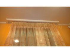 Egyenes fehér függönysín egyszerű organza függönnyel felrakva. A műanyag karnissín olcsó és könnyen használható, tökéletes tehát ehhez a légies függönyhöz is!   210 cm-es függönykarnis Gardinia sín Curtains, Board, Modern, Home Decor, Blinds, Trendy Tree, Decoration Home, Room Decor, Draping