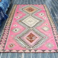 How many of you are so crazily in love with  pink rugs? Oh, this stunner is taking my breath way and makes my heart skip a beat! JENNA rug 5x7 feet
