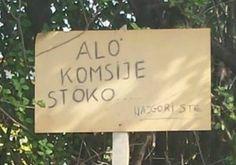 Несвакидашња табла у улици Андре Маринковић – Колико пазимо своју околину