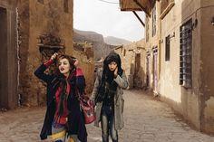 Ein wilder Mix aus Hidschab, Nasen-OPs und Lippenstift.