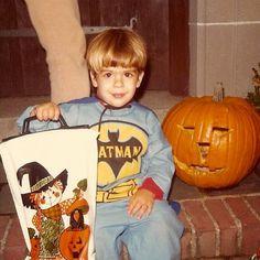 Just enjoying myself: Photo Old Halloween Photos, Retro Halloween, Halloween Ii, Halloween Costumes, Vintage Costumes, Getting Old, Trick Or Treat, Pumpkin Carving, Vintage Photos