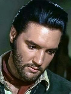 Rare Color Photographs of a Bearded Elvis Presley During Shooting for 'Charro! Elvis Presley Pictures, Elvis Presley Movies, Priscilla Presley, Rare Elvis Photos, Are You Lonesome Tonight, King Creole, Young Elvis, You're Hot, Star Wars