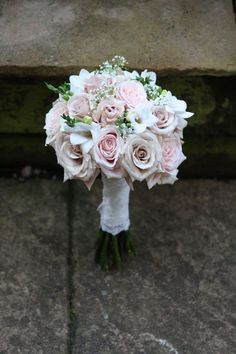 nude pink wedding bouquet colors flowers ivory sahara beige light pink