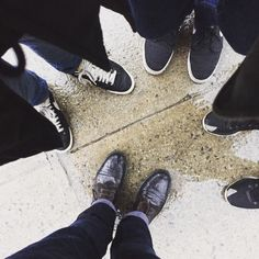So much respect for the @metroworldchild #newyork team that for the last 2 weeks had to go out doing visitation in icy stormy rainy weather conditions. This is what it's all about.  #glissonn #newyork #hardcore #metroworldchild #metroworld #yogibear #rain #rain🌧 #rainday #rainorshine #shoes #wetlook