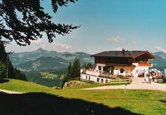 Tipp des Tages: Spaß im Freizeitpark Zahmer Kaiser, dann mit der Bergbahn hochfahren, ein Besuch im Berggasthof Zahmer Kaiser und dann mit der Sommerrodelbahn zurück ins Tal.