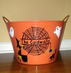 Halloween candy bucket #DIY #Cricut #vinylprojects