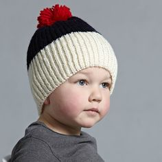 New shape this season... the Oxford Beanie...kinda slouchy and a wee bit rad  loving all your entries for our Autumn giveaway... a few more hours left to enter so hop to it if you like a lovely hundred dollars of winter goodies... and who wouldn't hey!!  #acornkids #kidshats #hats #kidsbeanies #coolkids #handmade #fairtrade #merinowool