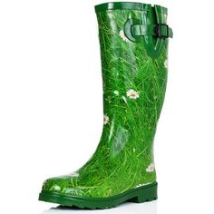 Ladies wellies, come and check out a great range of wellies, from those for professionals to those who just love a bit of fun. Wellies Rain Boots, Rain Shoes, Festival Wellies, Ladies Wellies, Wellington Boot, Cute Boots, Rubber Rain Boots, Cool Things To Buy, Footwear