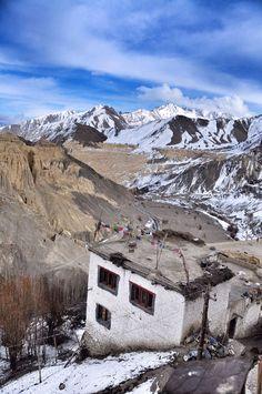 Travel in India to the magical land of Lamayuru monastery in Ladakh
