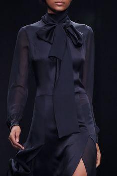 Anteprima auf der Milan Fashion Week im Herbst 2016 Couture Mode, Style Couture, Couture Fashion, Runway Fashion, Spring Fashion, Womens Fashion, World Of Fashion, High Fashion, Classy Fashion