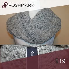 GAP Gray Cable knit Infinity Scarf This adds a complete put together look to most casual thrown on looks like yoga pants and a long sleeve shirt, throw this infinity sweater scarf on put the hair in a bun and a pair of sunglasses on and you look like you are always that put together girl on the go GAP Accessories Scarves & Wraps