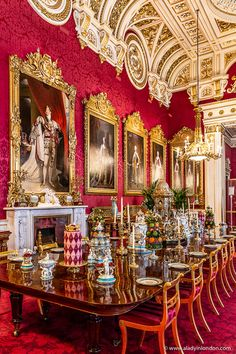 Table set in the State Rooms in Buckingham Palace during the annual summer opening. Click through for more pictures on the A Lady in London blog.   #buckinghampalace