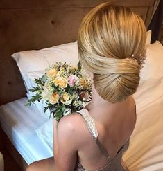 Finding just the right wedding hair for your wedding day is no small task but we're about to make things a little bit easier.From soft and romantic, to classic with modern twist...bridal updo hairstyles,messy updo wedding hairstyles #weddingdayhair