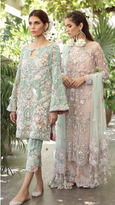 Some baat paki dresses inspo for bride ( right pink one ) and brides sister ( le. - Some baat paki dresses inspo for bride ( right pink one ) and brides sister ( left one ) Source by - Pakistani Formal Dresses, Pakistani Wedding Outfits, Pakistani Dress Design, Bridal Outfits, Indian Dresses, Indian Outfits, Pakistani Party Wear, Designer Suits For Wedding, Party Wear Dresses