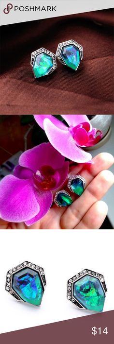 Vintage Earrings Blue Acrylic Gem Stud Earring. #fashion #sale Jewelry Earrings