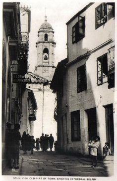 Rúa Triunfo baixando cara a Concatedral