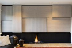living room designs by candice olson Fireplace Feature Wall, Living Room Decor Fireplace, Modern Fireplace, Fireplace Wall, Fireplace Design, Modern Interior Design, Interior Architecture, Corner House, Luxury Kitchens