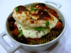 Slow Cooker Tuscan Chicken - Chef Kerri Anne http://chefkerrianne.blogspot.com/2014/02/recipe-slow-cooker-tuscan-chicken.html