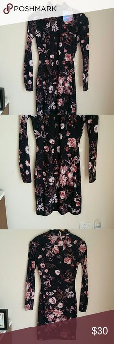 Missguided High Neck Long Sleeve Bodycon Dress Floral Printed bodycon Dress. New with tags. Size 4 Missguided Dresses