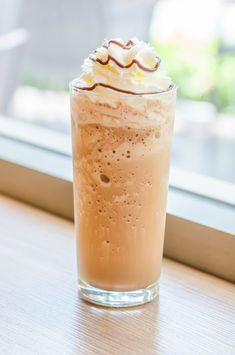 Frappe, Frappuccino, Dessert Recipes, Food And Drink, Menu, Pudding, Drinks, Ethnic Recipes, Smoothie