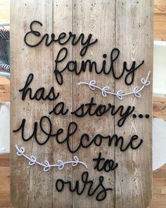 Une superbe phrase sur mesure qui prend presque toute ma table de cuisine ! 😱 #TricoTiCota #tricotin #phrase #famille #Family #story #faitmain #faitauquebec #surmesure #tricot #laine #etsy #etsyshop #etsyseller