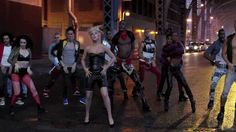Lady GaGa e gli illuminati - Marry the night 2/2