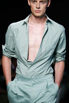 Janis Ancens at Bottega Veneta S/S 2015 Runway Fashion, Fashion Show, Fashion Outfits, Mens Fashion, Fashion Design, Stylish Boys, Inspiration Mode, Gentleman Style, Modern Man