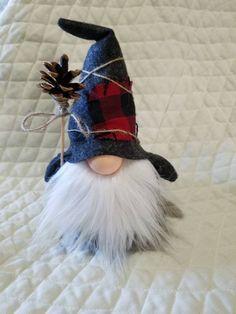 me ~ Country Rustic Handmade Gnome Scandinavian Gnomes, Scandinavian Christmas, Norwegian Christmas, Christmas Love, Christmas Crafts, Christmas Ornaments, Christmas 2019, Christmas Knomes, Leprechaun