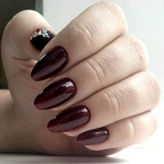 Nail Art magnetic designs for fascinating ladies. Nail Art Design Gallery, New Nail Art Design, Best Nail Art Designs, Shellac Nails, Manicure, Spring Nail Art, Spring Nails, Fall Nails, Maroon Nails
