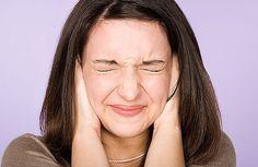 Come trattare i fischi nelle orecchie (acufeni) - Vivere più sani