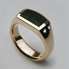 9 Carat Yellow Gold & Hand Cut Bloodstone with Brilliant Cut Diamonds