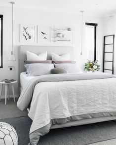 Stylish White Bedroom colour schemes are perfect for a contemporary Bohemian style scheme. Find out all you need to know about putting together a white bedroom palette here. Grey Bedroom Furniture, Master Bedroom Interior, Home Interior, Bedroom Decor, Interior Design, Bedroom Inspo, Bedroom Ideas, Light Bedroom, Bedroom Inspiration
