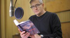 Olgierd Łukaszewicz  podczas nagrania audycji z cyklu To się czyta  * * * * * * www.polskieradio.pl YOU TUBE www.youtube.com/user/polskieradiopl FACEBOOK www.facebook.com/polskieradiopl?ref=hl INSTAGRAM www.instagram.com/polskieradio